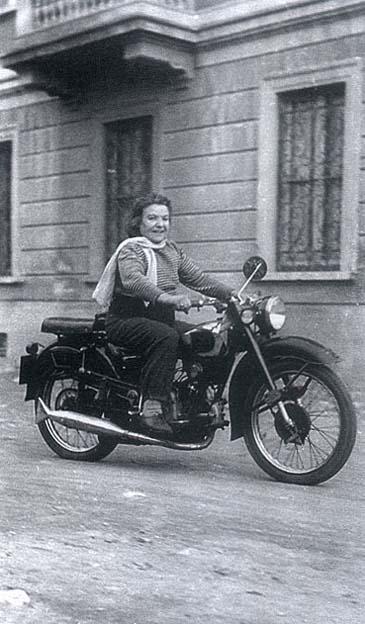 Bicihome Alfonsina Strada Moto Guzzi 500