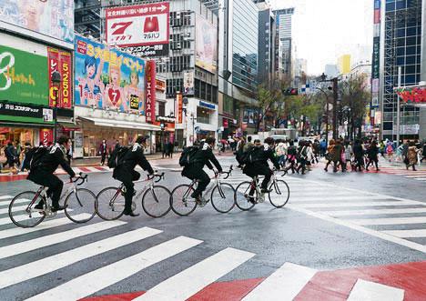 Bicihome cyclists-shibuya-tokyo-japan